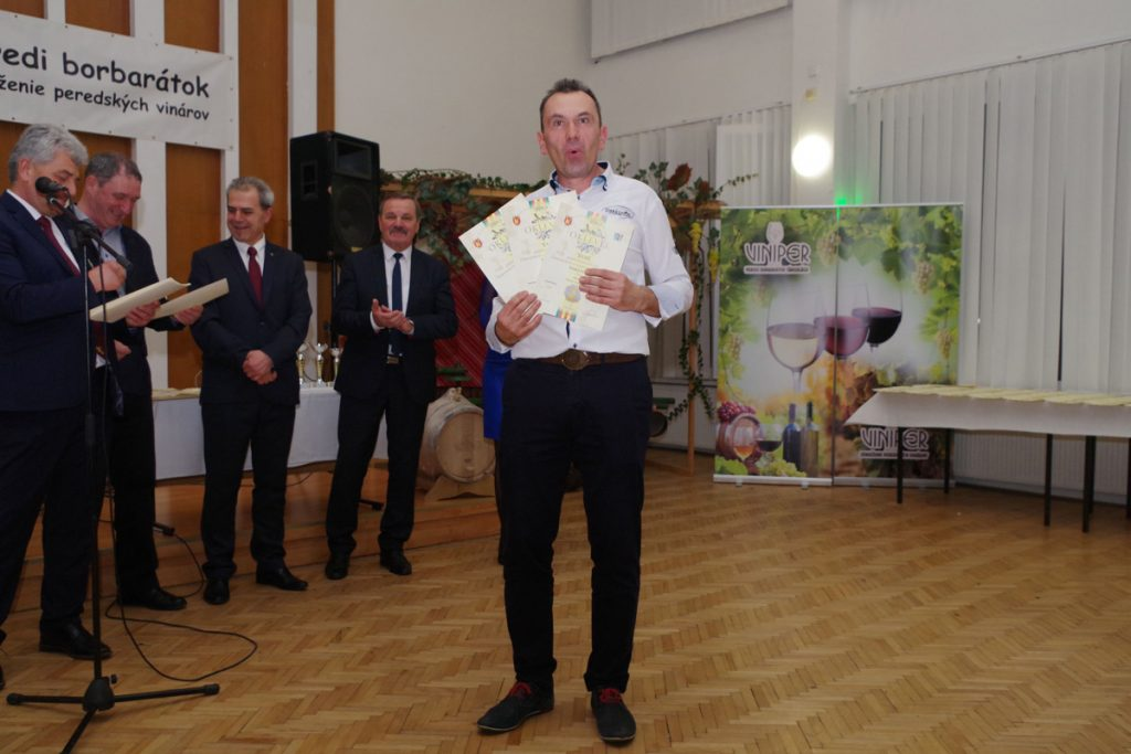 Zsolt Darázs s oceneniami viniper